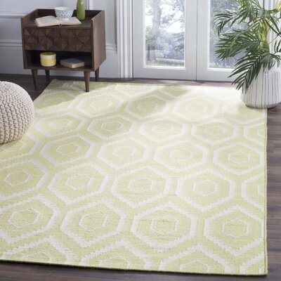 Hand-Woven Wool Green/Ivory Area Rug Rug Size: Rectangle 4 x 6
