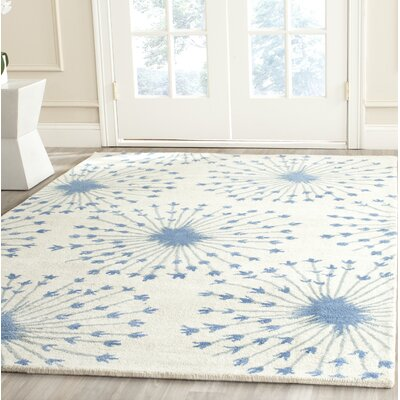 Zandbergen hand-Tufted/Hand-Hooked Wool Beige/Blue Area Rug Rug Size: Rectangle 5 x 8