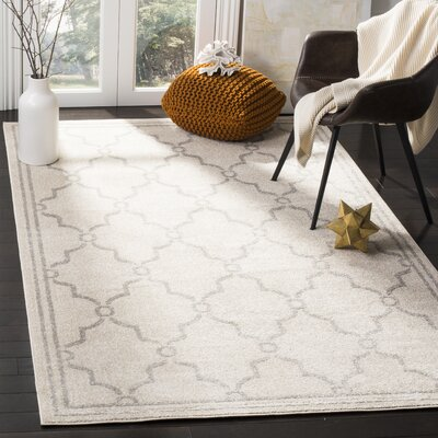 Peckham Ivory Indoor/Outdoor Area Rug Rug Size: 4 x 6