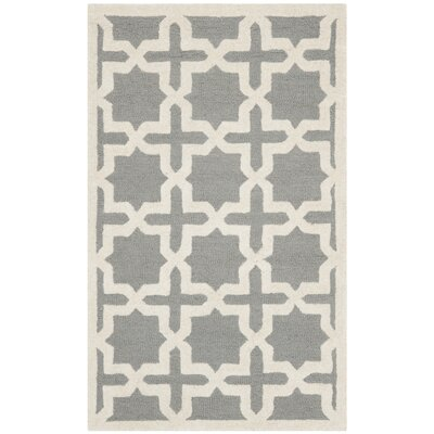 Cherry Hill Hand-Tufted Silver/Ivory Area Rug Rug Size: 4 x 6
