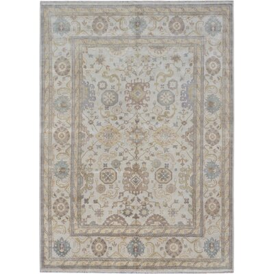 Royal Ushak Hand-Knotted Cream Area Rug Rug Size: 98 x 136