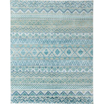 Wan Hand-Knotted Green/Ivory Area Rug