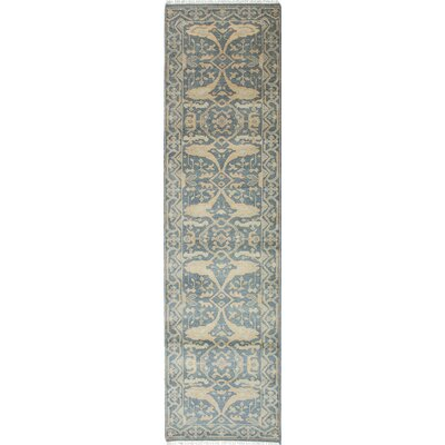 Royal Ushak Handmade Gray / Ivory Area Rug
