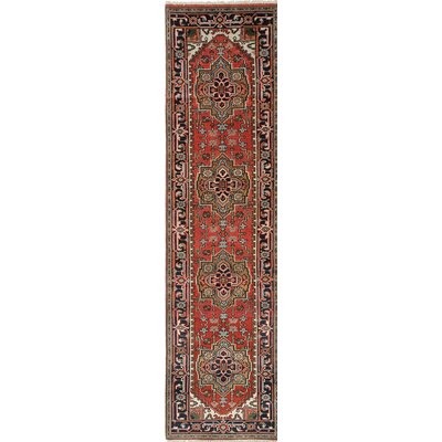 Serapi Heritage Hand-Knotted Red/Beige Area Rug