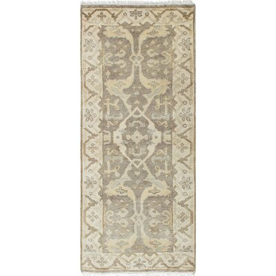 Royal Ushak Hand-Knotted Gray/Cream Area Rug