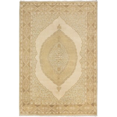 Royal Ushak Hand-Knotted Cream/Light Gray Area Rug