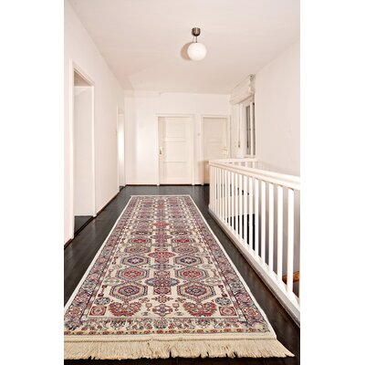 Shiravan Viscose Ivory/Red Area Rug