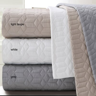 Laguna Quilted Cotton Blanket Size: Queen, Color: Gray