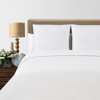 Laguna Quilted Cotton Blanket Size: Queen, Color: White