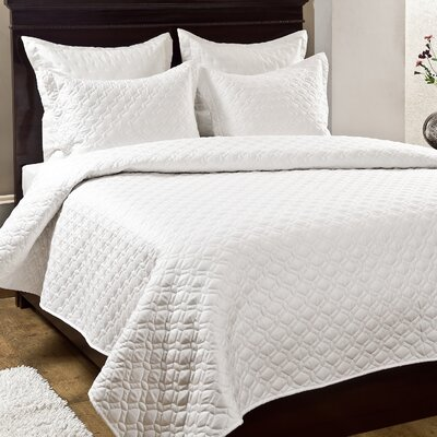 Crescent 3 Piece Quilt Set Size: Queen