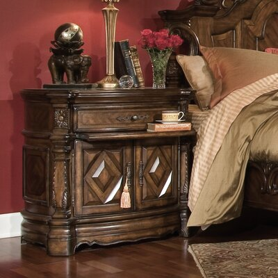Windsor Court 2 Drawer Nightstand
