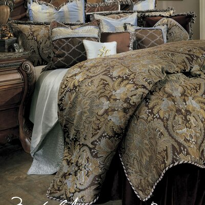 Portofino Reversible Comforter Set Size: Queen