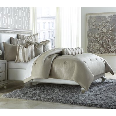 Paparazzi Reversible Comforter Set Size: Queen