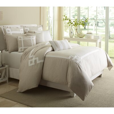 Avenue Reversible Comforter Set Size: Queen