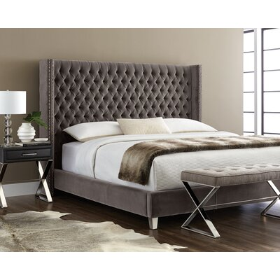 Club Mcallen Platform Bed Size: King, Color: Grey