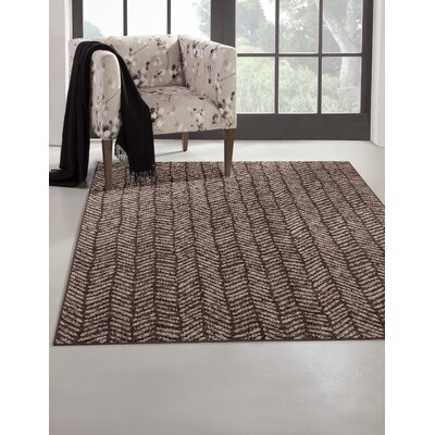 Lynnae Ivory/Brown Area Rug Rug Size: Rectangle 5 x 8