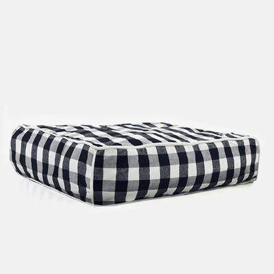 Buffalo Plaid Square Dog Bed Size: Medium