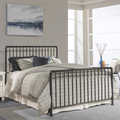 Jessie Sleigh Bed Size: Queen, Color: Navy