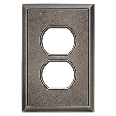 Classic Magnetic Single Duplex Wall Plate Finish: Timeworn Steel