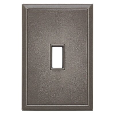 Classic Magnetic Single Toggle Wall Plate Finish: Classic Nickel Silver