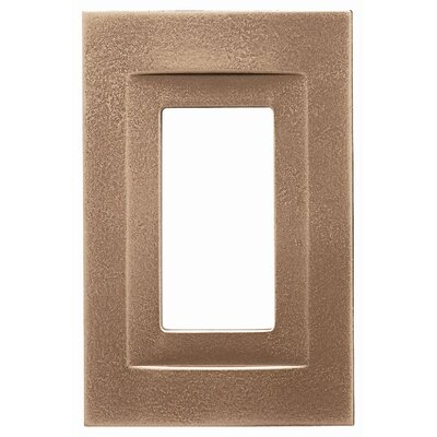 Single GFCI Magnetic Wall Plate Finish: Classic Bronze