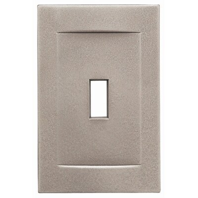 Single Toggle Magnetic Wall Plate Finish: Brushed Nickel