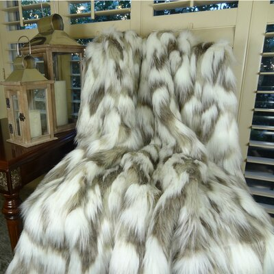 Tibet Fox Handmadee Faux Acrylic Blanket Size: California King
