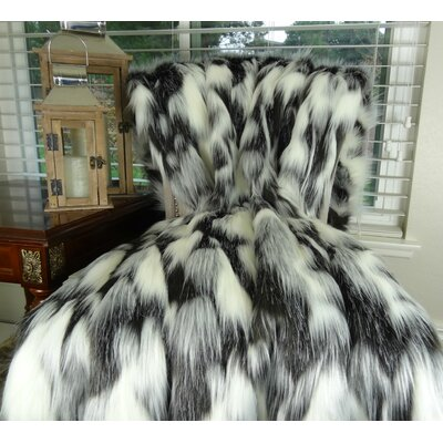 Tibet Fox Faux furThrow Size: 90 L x 80 W