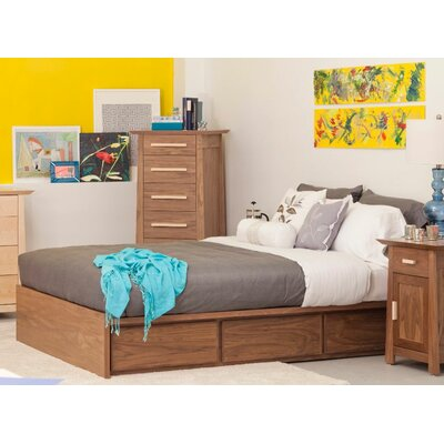 Thompson Platform Customizable Bedroom Set