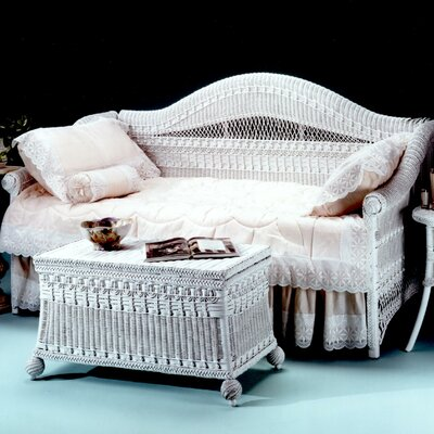 Classic Daybed Finish: White