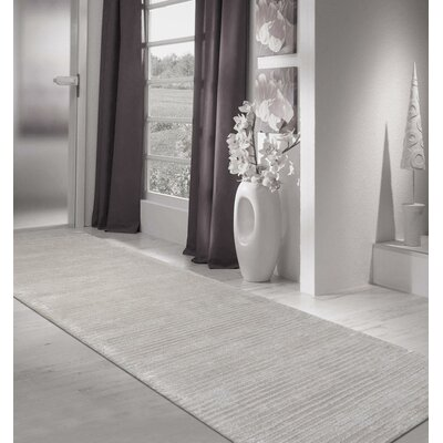 Edgy Hand-Tufted Silver Area Rug Rug Size: Runner 28 x 8