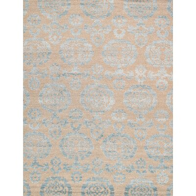Transitional Hand-Knotted Tan Area Rug
