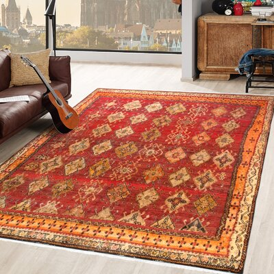 Shiraz Vintage Lambs Wool Hand-Knotted Red/Ivory Area Rug