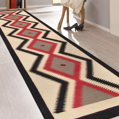 Navajo Hand-Woven Wool Cream/Red Area Rug