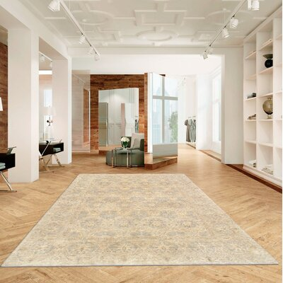 Ferehan Hand-Knotted Wool Ivory Area Rug
