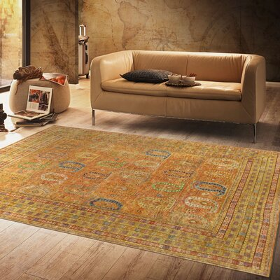 Sultanabad Hand-Knotted Wool Salmon/Gold Area Rug