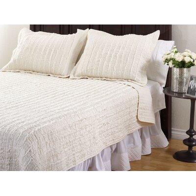 Liana Ruffle Quilt Set Size: Twin