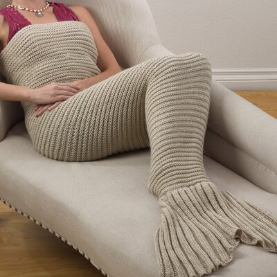 Roseanne Chunky Knit Mermaid Tail Design Throw Color: Natural