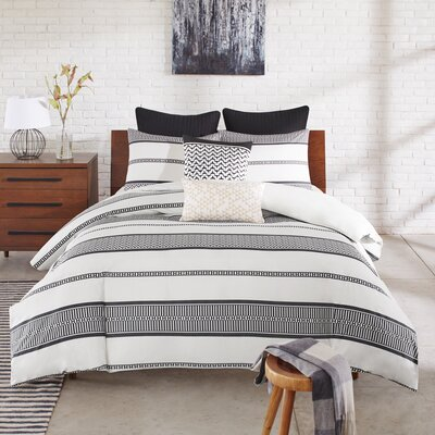 Kora 3 Piece Duvet Cover Set Size: King / California King