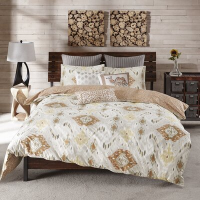 Nia 3 Piece Comforter Set Size: Full / Queen, Color: Spice