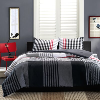 Blake Reversible Duvet Cover Set Size: King