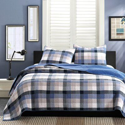 Maddox Reversible Quilt Set Size: Full / Queen, Color: Blue