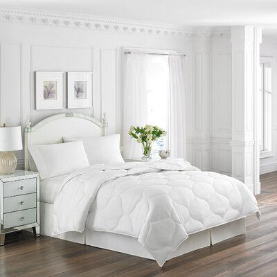 Lightweight Down Alternative Comforter Size: King