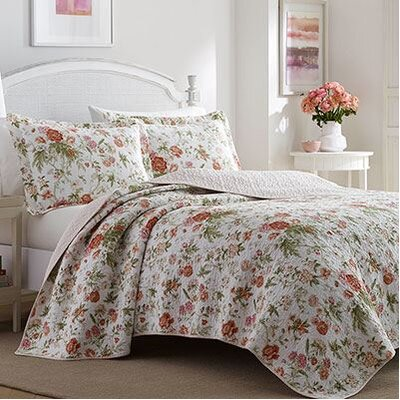 Breezy Reversible Quilt Set Size: King, Color: Coral Pink