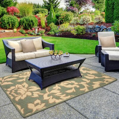 Jaya Bennet Green/Beige Indoor/Outdoor Area Rug Rug Size: 23 x 39