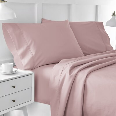 300 Thread Count Solid Pillowcase Size: King, Color: Light Rose