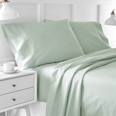 300 Thread Count Solid Pillowcase Size: King, Color: Light Sage