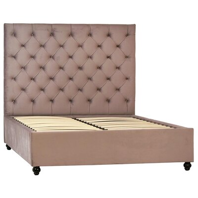 Vendrina King Upholstered Panel Bed