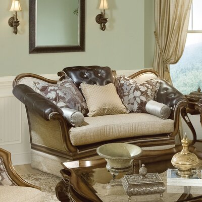 Salvatore Loveseat