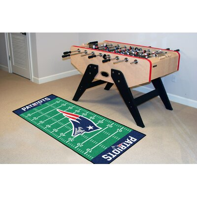 NFL - New England Patriots Football Field Runner